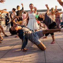 Invitan a ser parte de la coreografía masiva que cerrará Santiago a Mil