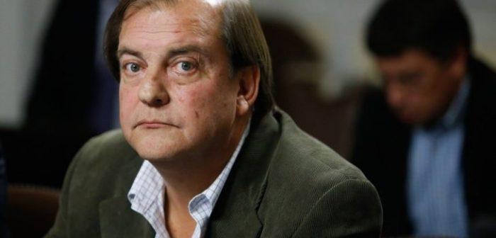 Francisco Vidal responde a Peña por críticas a Bachelet: