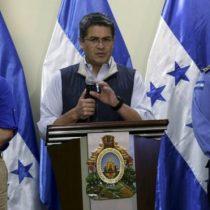 Presidente de Honduras acepta el recuento total de votos exigido por la oposición