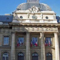 Dos ministerios franceses multados por no contratar suficientes mujeres