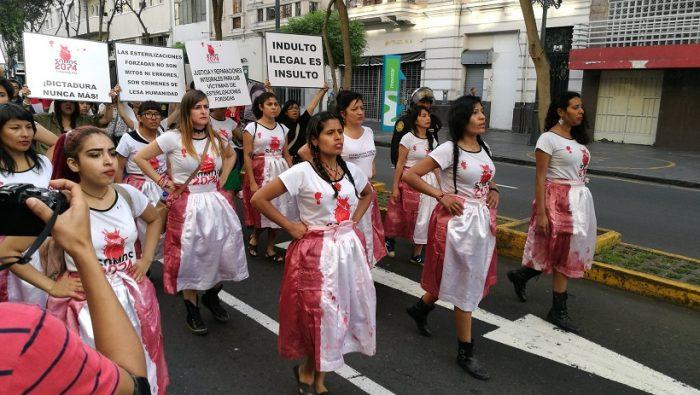 """Mujeres por indulto a Fujimori: """"Somos las hijas de las campesinas/nativas que no pudiste esterilizar"""""""