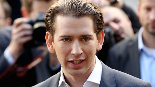 La extrema derecha vuelve al poder en Austria