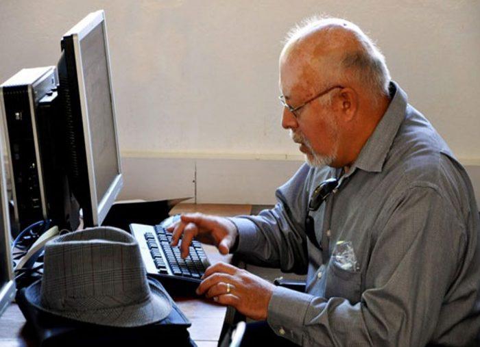 Universidad impartirá charlas online exclusivamente para adultos mayores