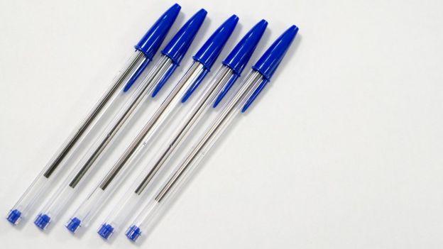 Qué hay detrás de la caída de BIC, la mítica empresa que fabrica los famosos bolígrafos y encendedores