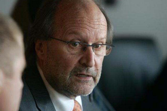 José Rodríguez Elizondo fustiga a Davor Harasic: