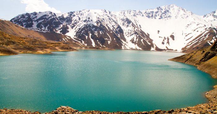 El 84% del agua de Chile corre hacia el mar sin ser aprovechada