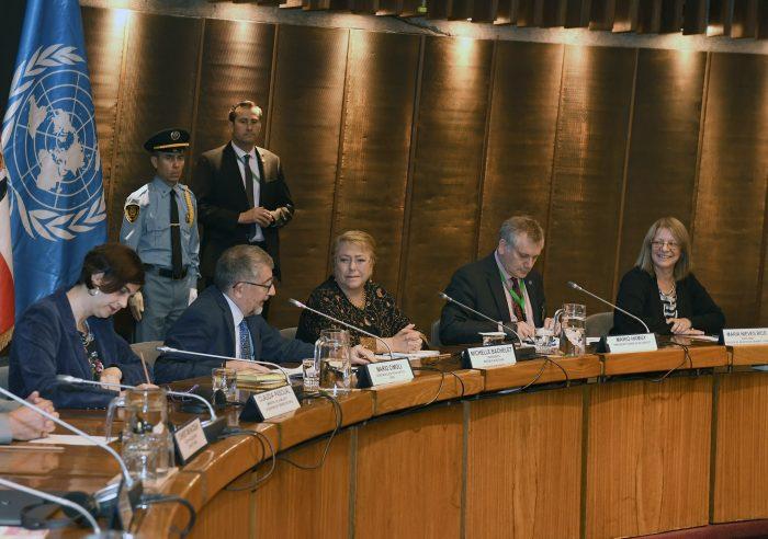 Bachelet reconoce que Chile tiene una alta tasa de brecha de género en ciencia y tecnología