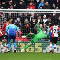 [VIDEO] La precisa asistencia de Alexis Sánchez para el gol de Olivier Giroud que evitó una dolorosa derrota del Arsenal