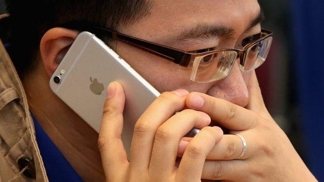 ¿Está más lento tu iPhone? Apple reconoce por primera vez que ralentiza deliberadamente sus teléfonos