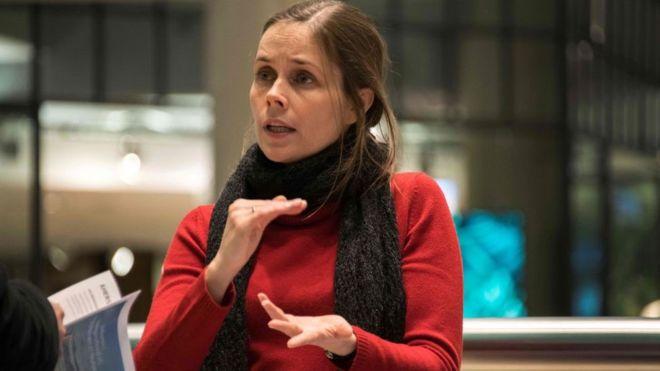 Quién es Katrín Jakobsdóttir, la feminista de 41 años que se impuso como primera ministra de Islandia con el ambientalista Partido Verde