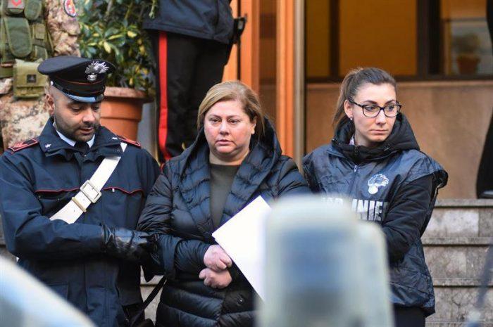 Policía italiana detiene a 25 personas por pertenecer a la mafia siciliana