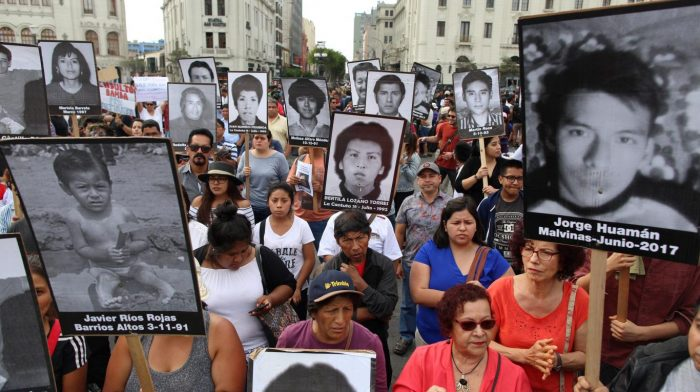 Fujimori pide perdón y miles de peruanos salen a las calles a protestar contra el indulto otorgado por PPK