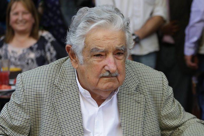 Mujica dicta clase magistral sobre unidad