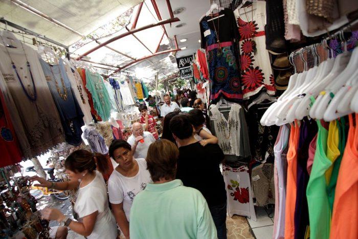 Invisibilización y precariedad: la violenta realidad de la industria del vestuario en Chile