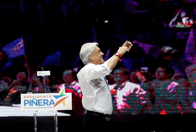 """La """"gratuidad"""" de mercado de Piñera: el salvavidas que consagra a la educación técnica como el """"pariente pobre"""" de la universitaria"""