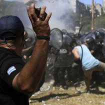 Mirando con atención lo que pasa en Argentina: violenta jornada de protestas por la reforma a las pensiones que impulsa Mauricio Macri