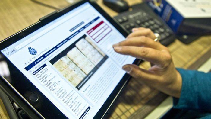 """El diccionario online de la RAE enfatiza desde ahora que """"sexo débil"""" es despectivo"""