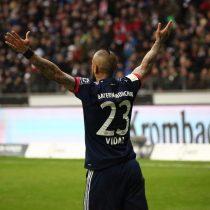 [VIDEO] El certero cabezazo de Arturo Vidal que le da la victoria al Bayern Munich frente al Frankfurt