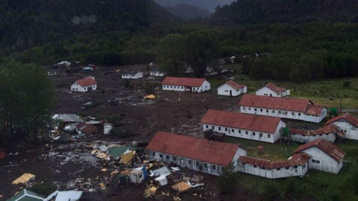Aumenta a once el número de muertos por alud en Villa Santa Lucía
