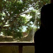 """""""Después del examen sentí que todos me juzgaban"""": la vergonzosa """"prueba de virginidad"""" para mujeres en Afganistán"""
