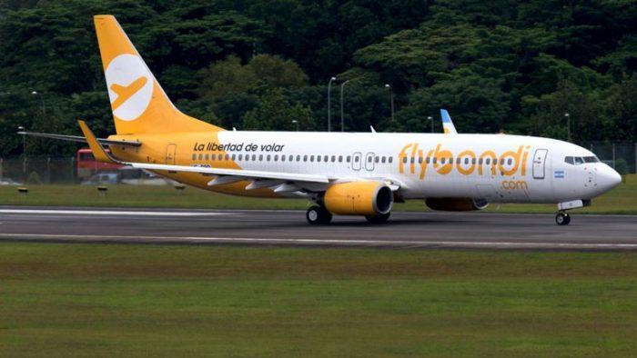 Flybondi, la aerolínea low-cost argentina que despega en tanto límites tarifarios continúan