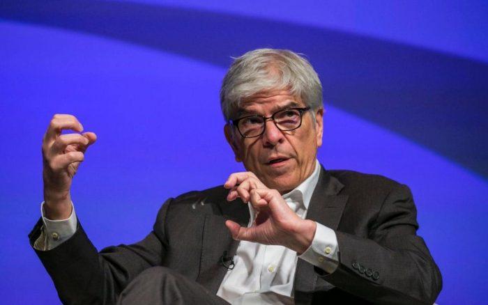 Paul Romer: polémico, deslenguado y rockstar, los apodos del polémico economista jefe del Banco Mundial que por 72 horas opacó al Papa