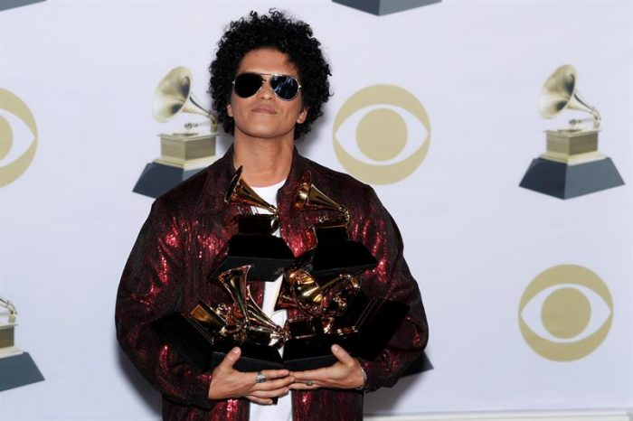 Bruno Mars gana el Grammy como mejor álbum del año, con «24K Magic»