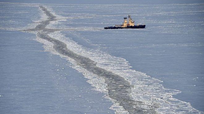 Qué es la Ruta Polar de la Seda, el controvertido plan de China para explorar el Ártico y facilitar el comercio entre América, Asia y Europa