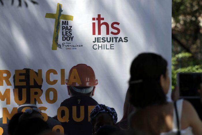 Compañía de Jesús designa un investigador para nuevas denuncias y ex alumnos exigen transparencia sobre sacerdotes sancionados por abuso sexual