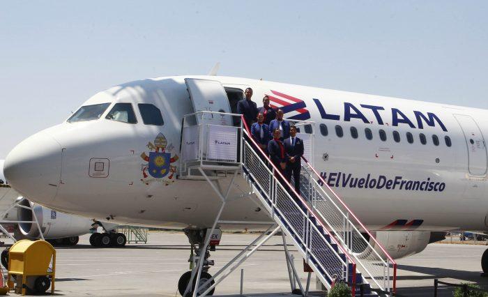 Latam informó 450 nuevos despidos de sus filiales en Chile, Ecuador, Perú y Colombia