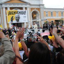 [VIDEO] Llegada del Papa Francisco desata locura en calles de Santiago y Providencia
