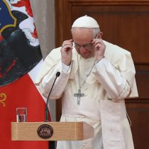 [VIDEO] Sebastián Piñera muestra el regalo que le hizo el Papa Francisco y valora su perdón porque