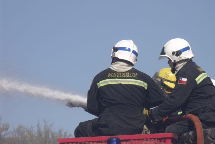 Onemi: Alerta Roja en la comuna de San Pedro por incendio forestal