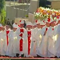 Felipe Berríos sobre falta de mujeres en el clero: «Queremos una Iglesia más femenina»