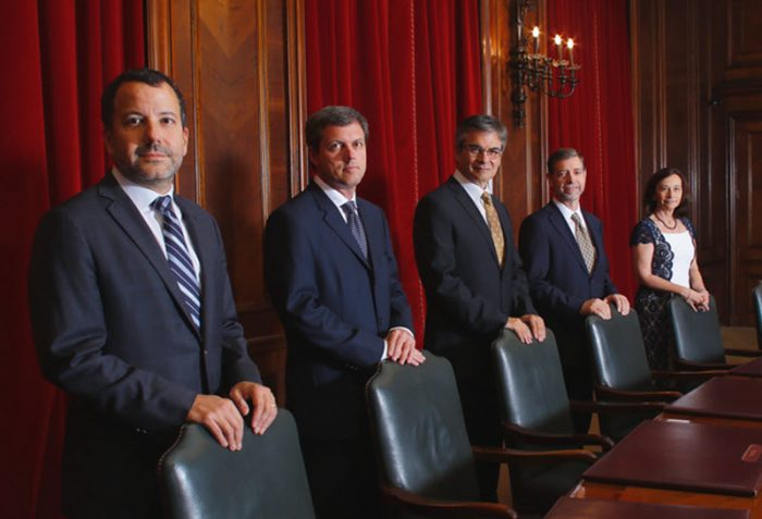 Minuta de reunión del Banco Central revela un Consejo abiertamente dividido y enciende alarmas en el mercado