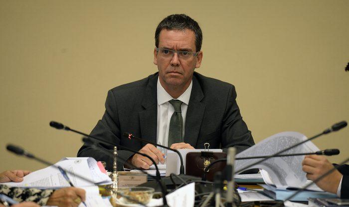 Mano dura con Carabineros: Felipe Harboe exige retiro inmediato de funcionarios que participaron en montaje de Operación Huracán