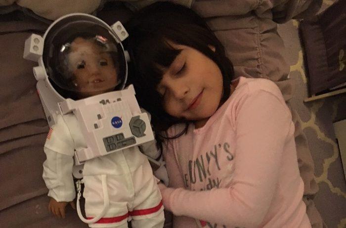 """Chilena en NYC: """"No podía perder la oportunidad de comprarle a mi hija una muñeca casi, casi como ella"""""""