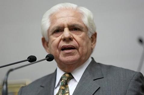 Oposición venezolana antepone diferir presidenciales a decisión de participar