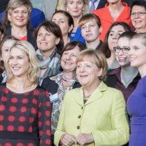 Nueva ley permitirá a las alemanas conocer el sueldo de sus compañeros hombres y podrán exigir ganar lo mismo que ellos