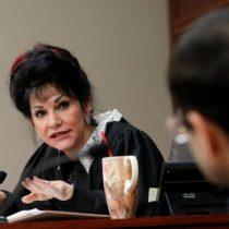 ¿Quién es Rosemarie Aquilina, la jueza que dejó hablar a 156 víctimas de los abusos del exmédico del equipo de gimnasia de Estados Unidos Larry Nassar?