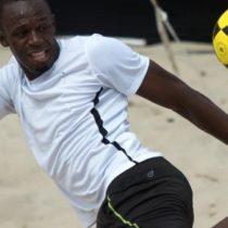 Usain Bolt no desiste y persevera en su intención de ser futbolista profesional