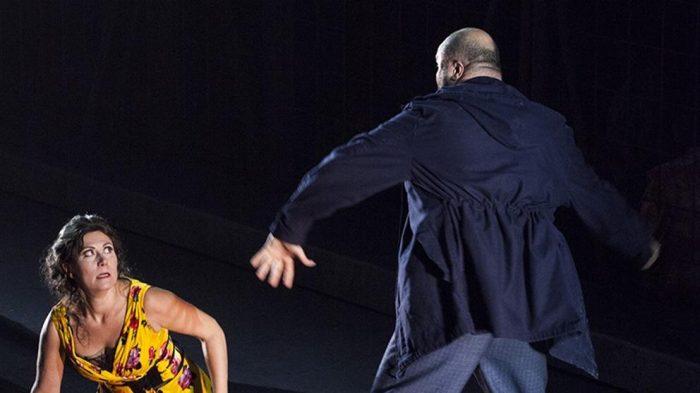 Reescribiendo los clásicos del arte: cambian el final de la Ópera Carmen para denunciar las altas cifras de femicidios en Italia