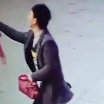[VIDEO] Vendedor online viaja más de 800 kilómetros para golpear a una mujer que evaluó mal su tienda