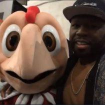 [VIDEO] El utópico encuentro con beso incluído entre Condorito y el rapero 50 Cent