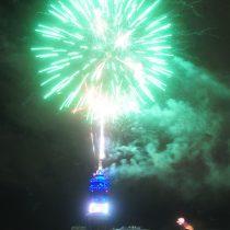 Entel y Municipalidad de Santiago acuerdan suspender espectáculo de año nuevo y redestinar recursos