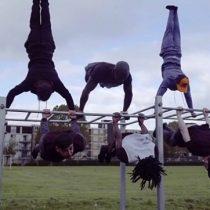 [VIDEO] El inspirador gimnasio callejero construido con cuchillos decomisados por la policía en Londres