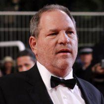 [VIDEO] Harvey Weinstein recibe dos bofetadas en un restaurante de Arizona tras denuncias de acoso y abuso