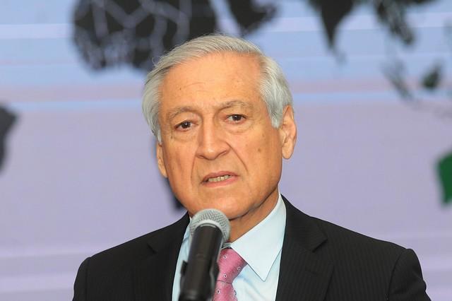 Canciller Muñoz aclara que no acompañará a Bachelet a Cuba por razones personales