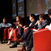 La nueva oleada de la política muestra sus cartas en Icare, pero no habla de economía