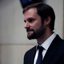 La confesión de Bellolio: en la UDI lo critican por su amistad con líderes del Frente Amplio